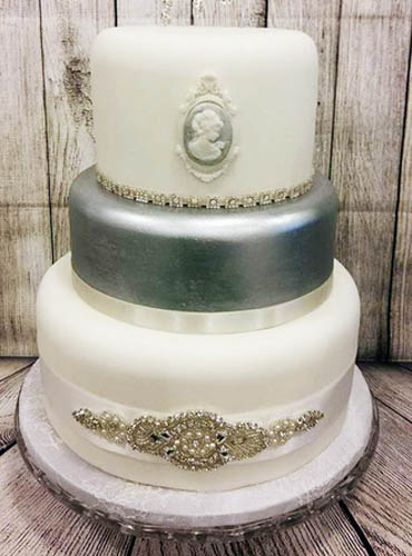 The Cake Forge Salisbury Wiltshire wedding style cake image